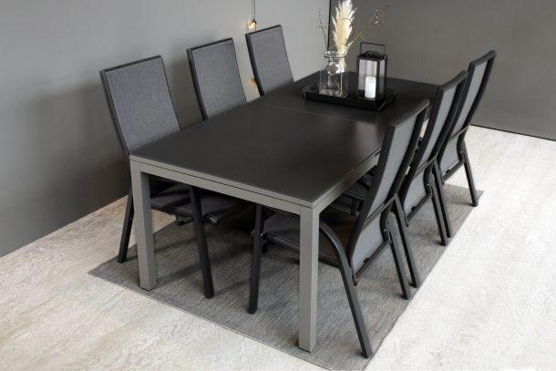 Spisebord med Uttrekk