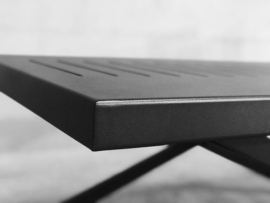 Bilde av bordplate i aluminium