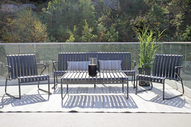 Park hagegruppe med sofa, bord og to stoler